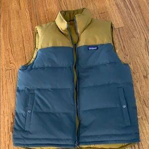 Patsgonia men's puffer vest. Excellent condition